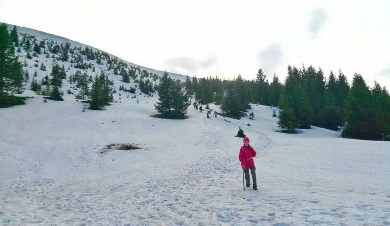 Турист на пути к озеру Синевир